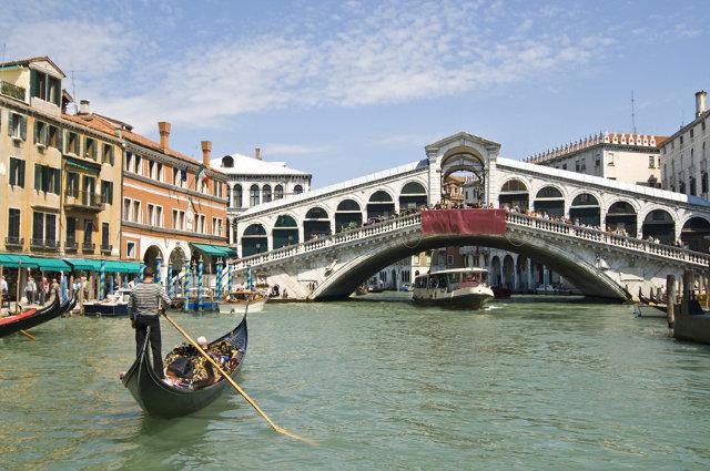 veneto river bridge